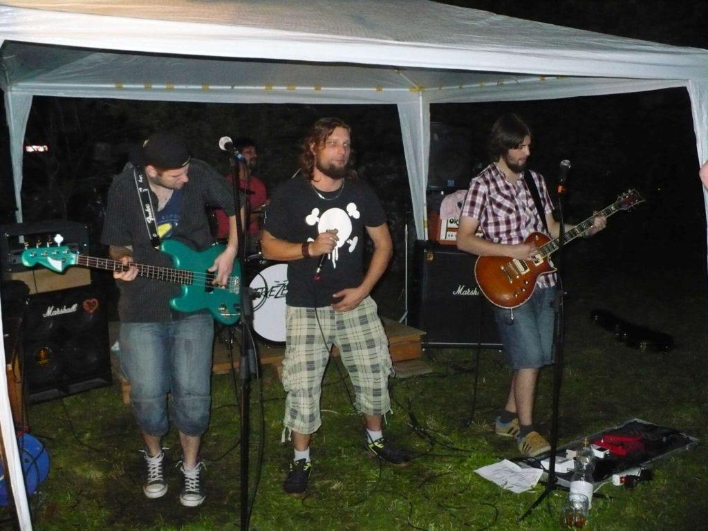 Brána, Polkovice [10] (30.9.2014) - Kervežekson (crossover kapela z Prostějova)