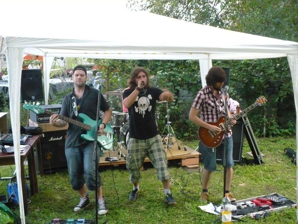Brána, Polkovice [5] (30.9.2014) - Kervežekson (crossover kapela z Prostějova)