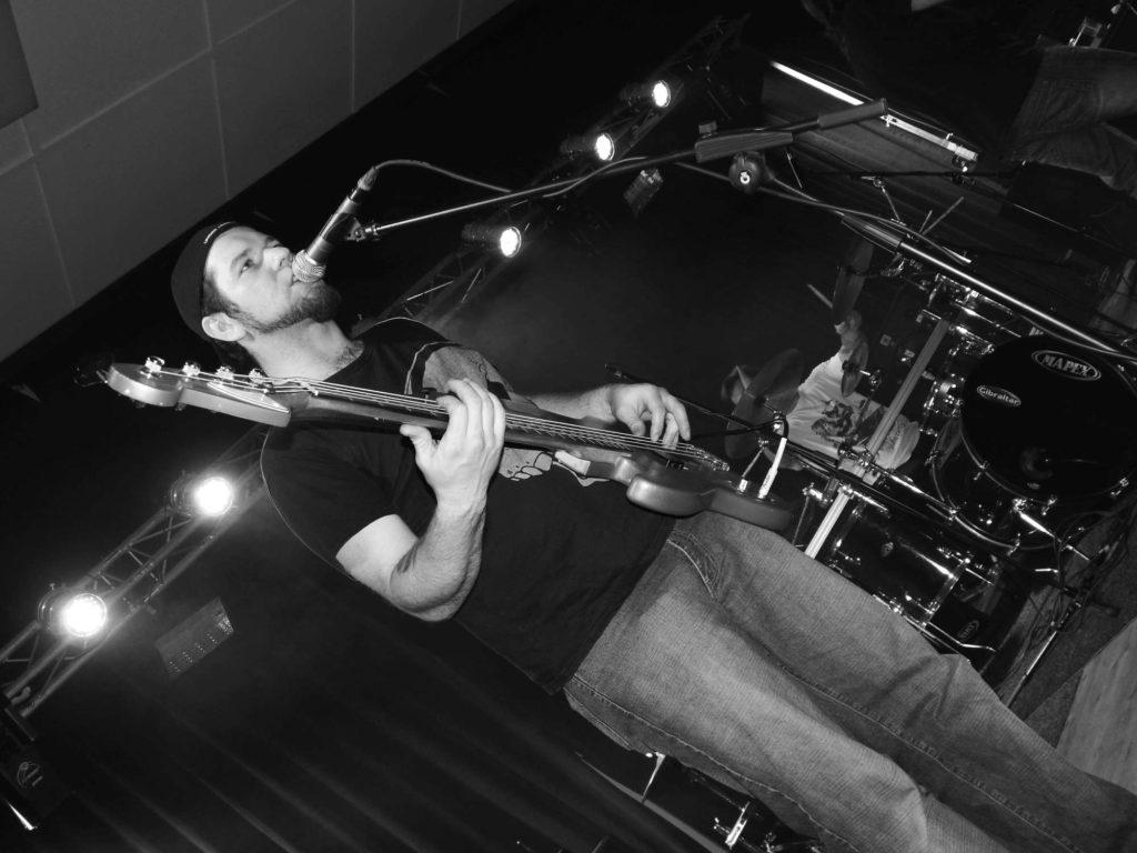 The November Revolution Day of Metal, Čelčice [7] (15.11.2014) - Kervežekson (crossover kapela z Prostějova)