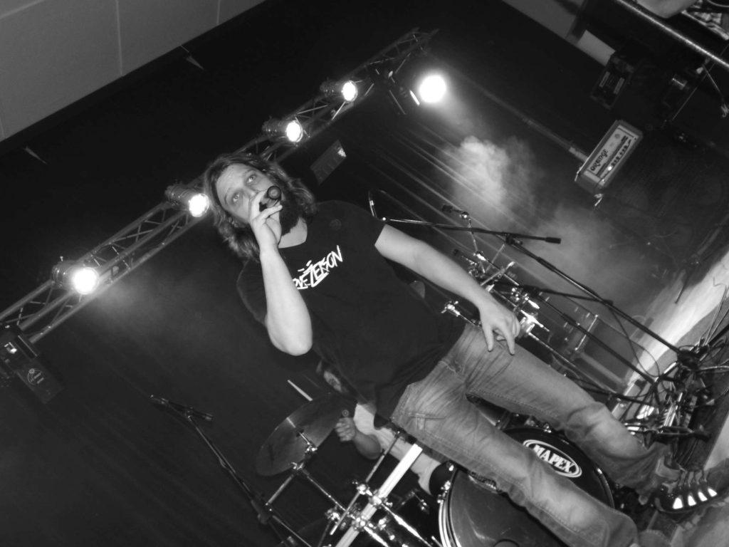 The November Revolution Day of Metal, Čelčice [8] (15.11.2014) - Kervežekson (crossover kapela z Prostějova)
