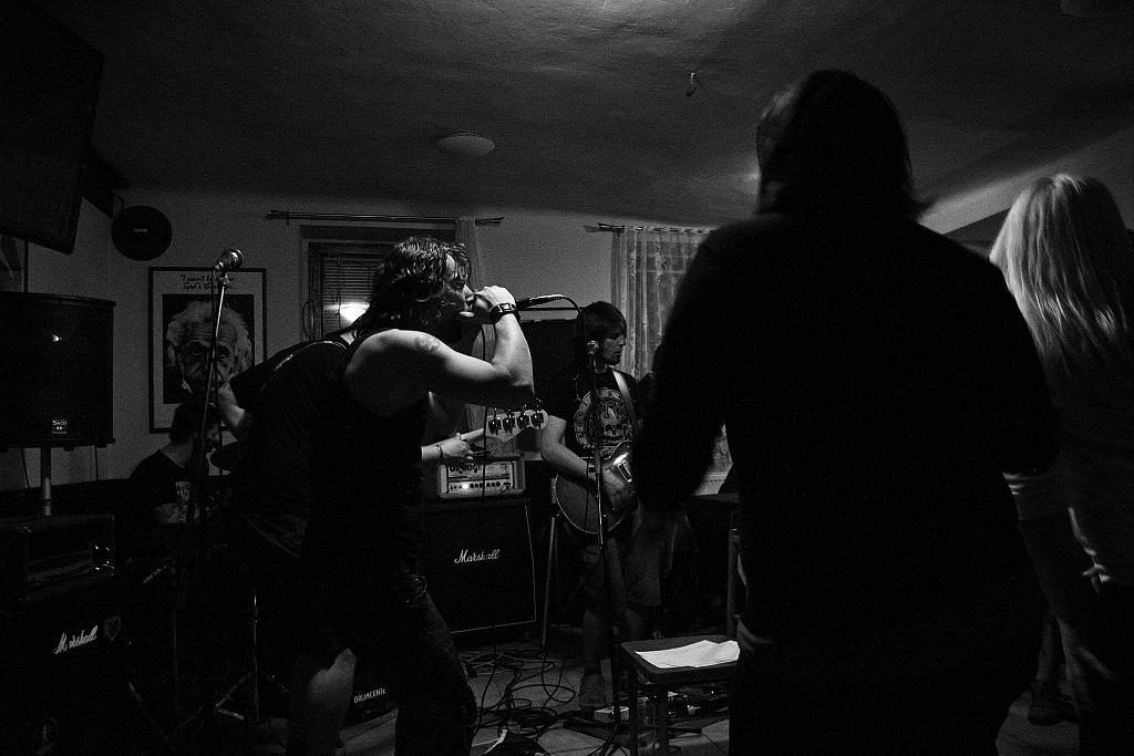 Pařba U Kulaté vol.3, Prostějov [10] (19.4.2014) - Kervežekson (crossover kapela z Prostějova)