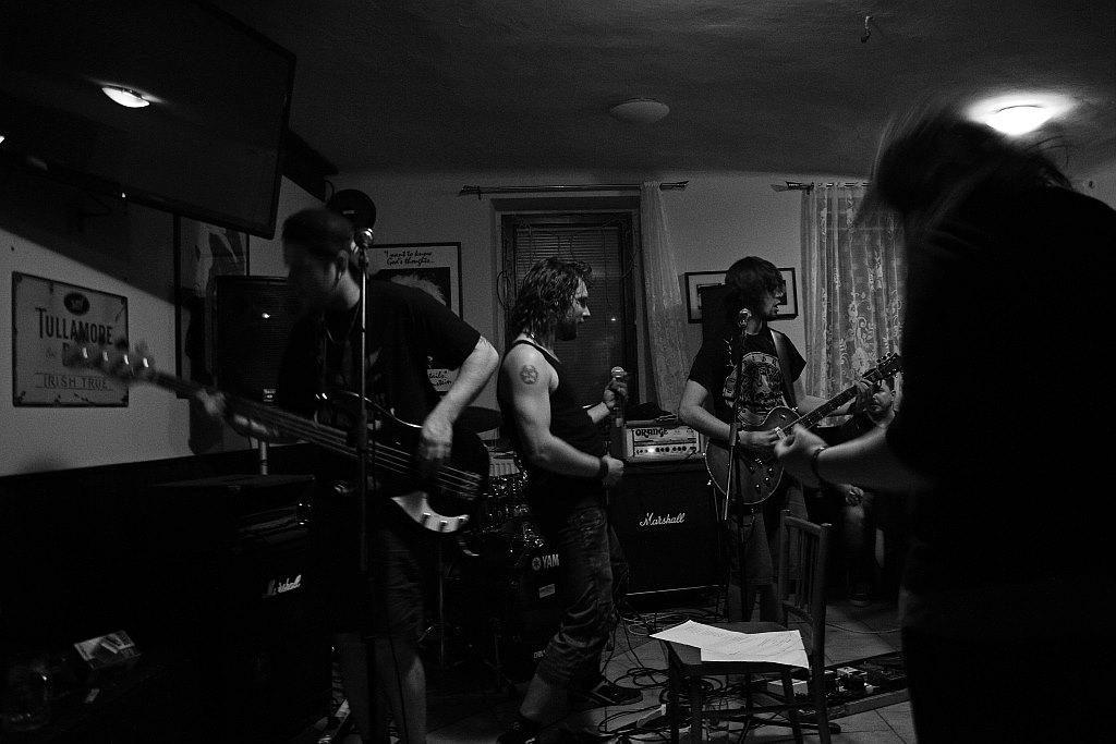 Pařba U Kulaté vol.3, Prostějov [3] (19.4.2014) - Kervežekson (crossover kapela z Prostějova)
