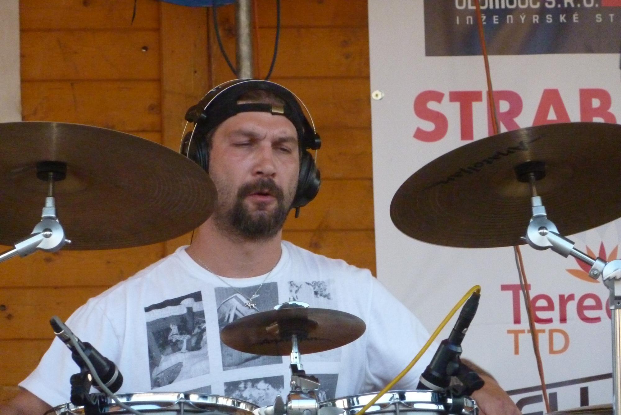Kojetínské Hudební Léto 2015, Kojetín [7] (21.8.2015) - Kervežekson (crossover kapela z Prostějova)