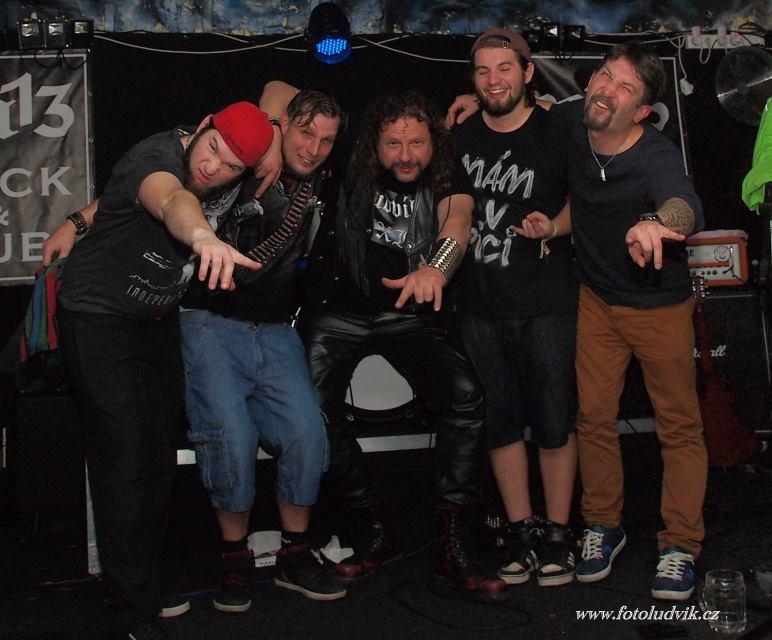 M13, Brno [2] (18.11.2016) - Kervežekson (crossover kapela z Prostějova)