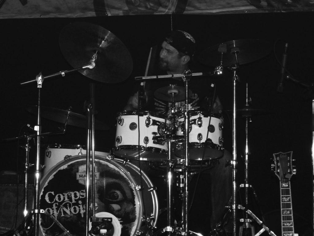Music Forever, Klub Hell, Chropyně [8] (26.3.2016) - Kervežekson (crossover kapela z Prostějova)