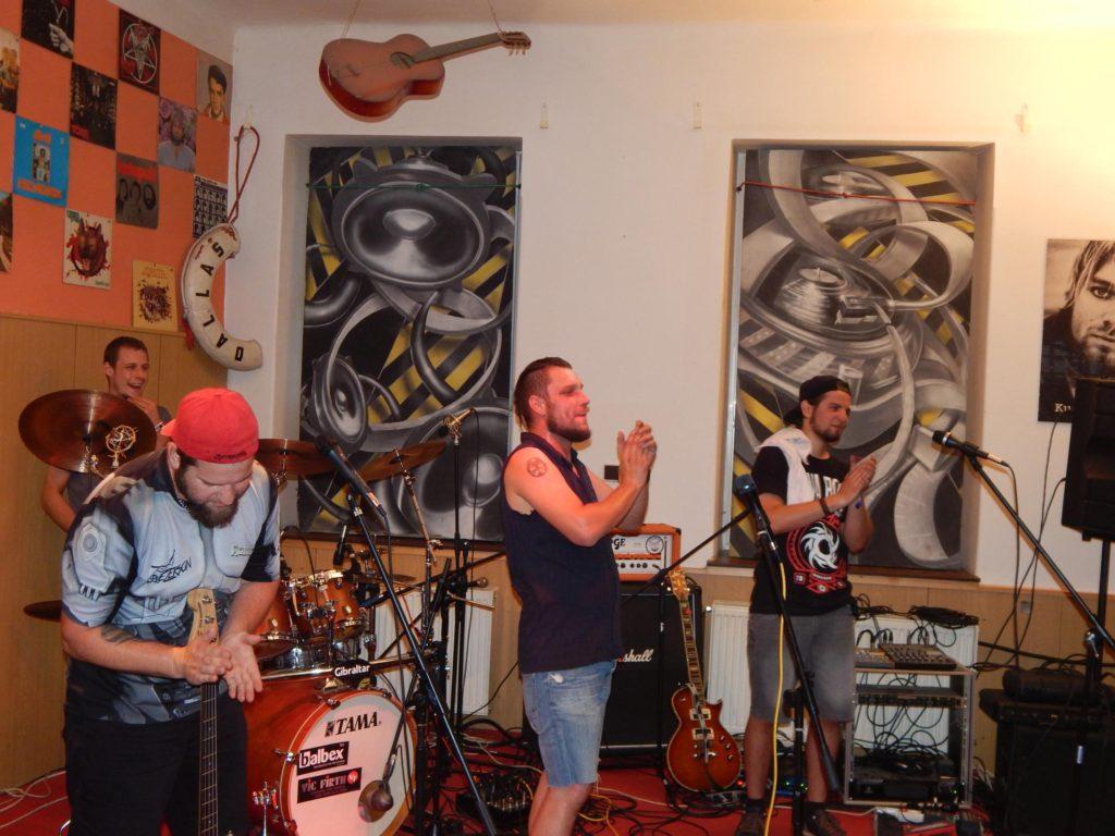 Hudba z Kristýnky, Rocková Pivnice Kristýnka, Kojetín [15] (10.7.2017) - Kervežekson (crossover kapela z Prostějova)