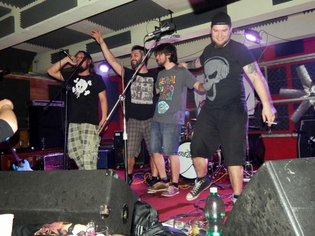 Krucipüsk a Kervežekson, Apollo 13, Prostějov [15] (6.12.2014) - Kervežekson (crossover kapela z Prostějova)
