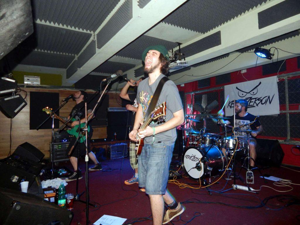 Krucipüsk a Kervežekson, Apollo 13, Prostějov [4] (6.12.2014) - Kervežekson (crossover kapela z Prostějova)
