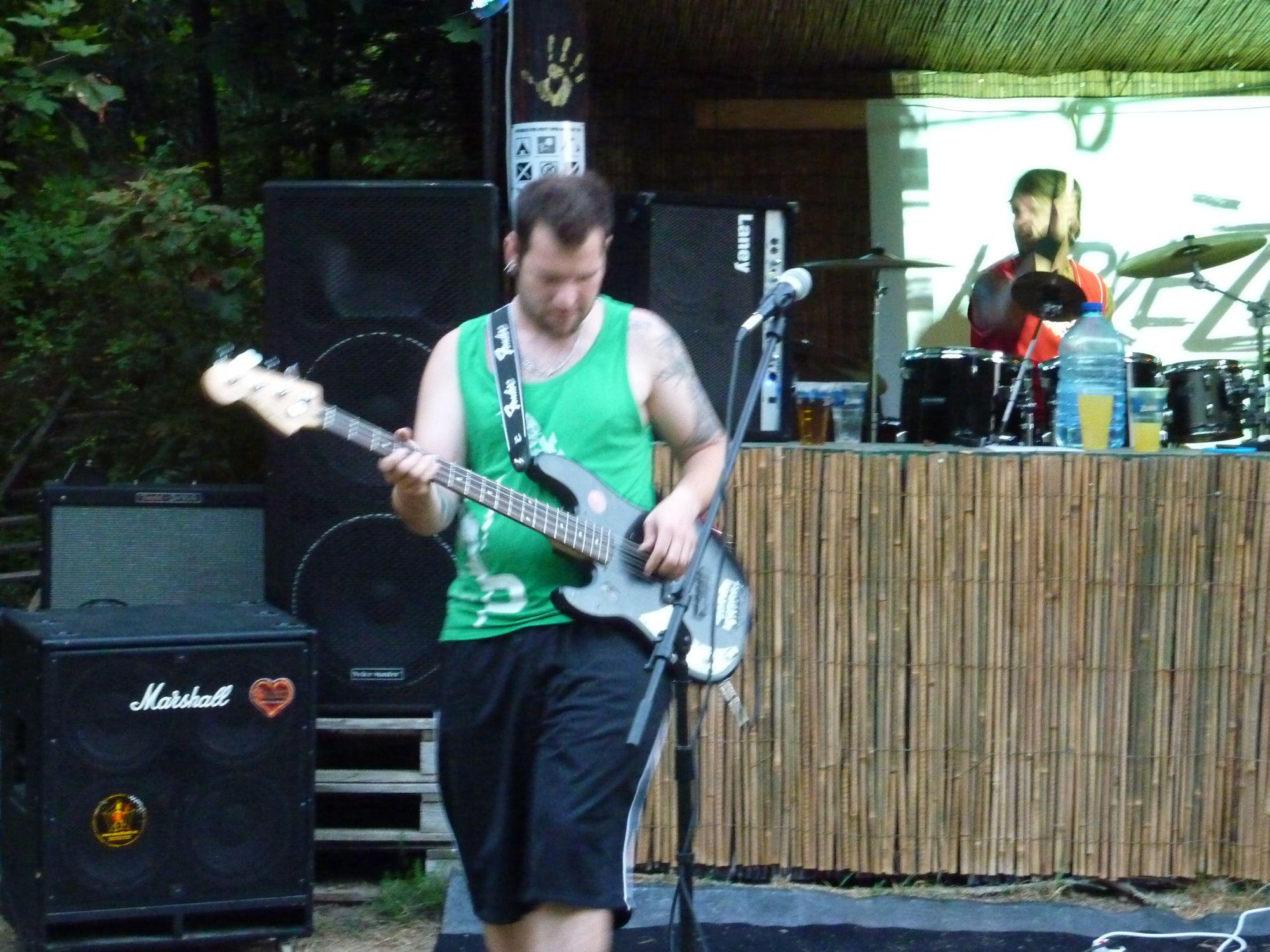 Open Air Valley (rock'n'roll live edition), Drahany [3] (19.7.2014) - Kervežekson (crossover kapela z Prostějova)