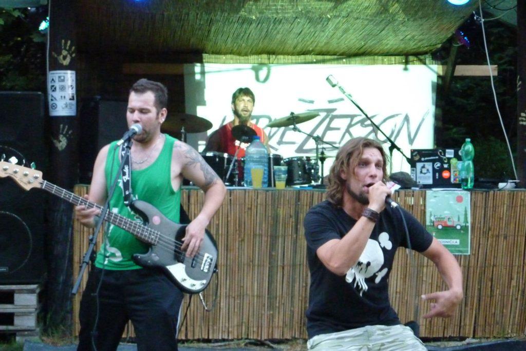 Open Air Valley (rock'n'roll live edition), Drahany [6] (19.7.2014) - Kervežekson (crossover kapela z Prostějova)
